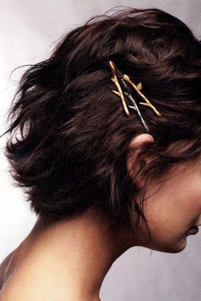 10 Simple Hairstyles You Can Do With Bobby Pins