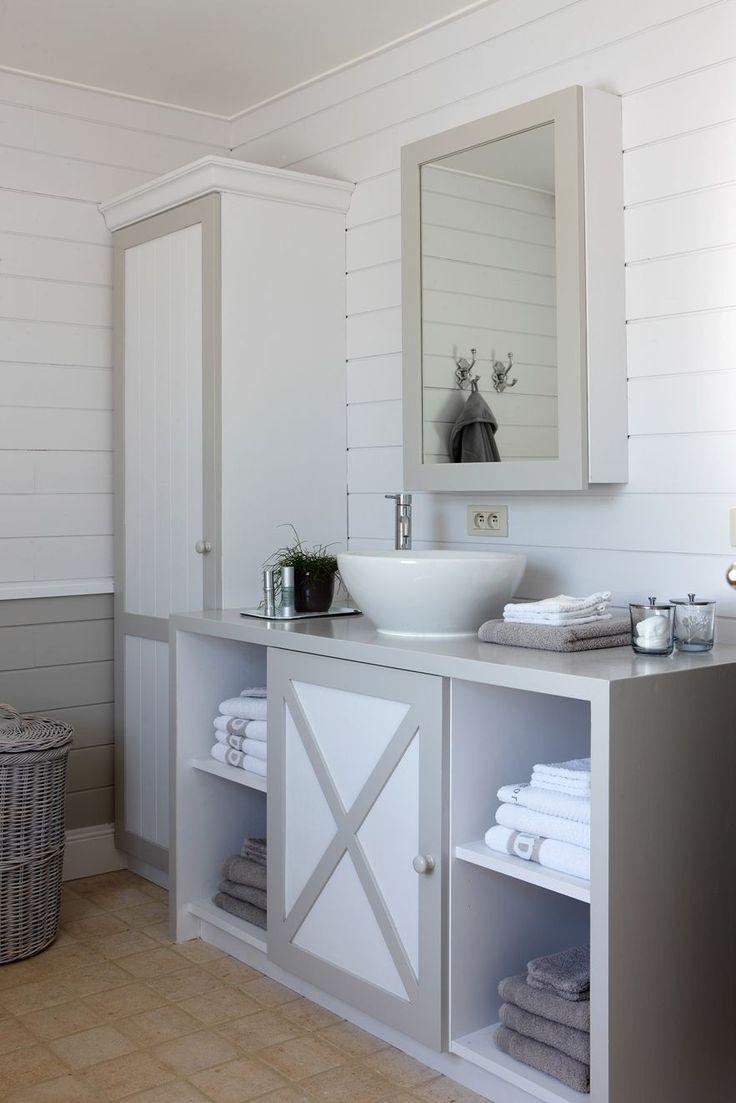 Grey And White Bathroom Urban Nest Bathrooms Pinterest