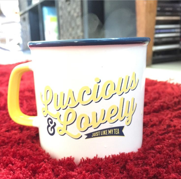 A new mug! Such a delightful gift! I am sitting in our new home, on our lusciously lovely red rug, drinking tea from a mug given to me by precious friends. I am on holidays. It doesn't get much better than this. The simple things. Good morning!