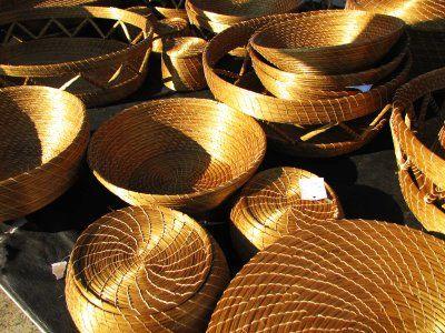 Cestos Feitos com Capim Dourado