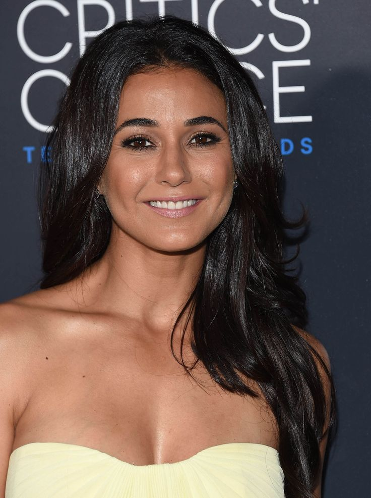 #ManeCrushMonday The stars were out full force at the 5th Annual #CriticsChoice Television Awards. One who shined brightly was #EmmanuelleChriqui with her incredibly glossy locks. To create mega wattage #shine in your hair, apply #ShiningStar, #BigShine or #SmoothandSeal.