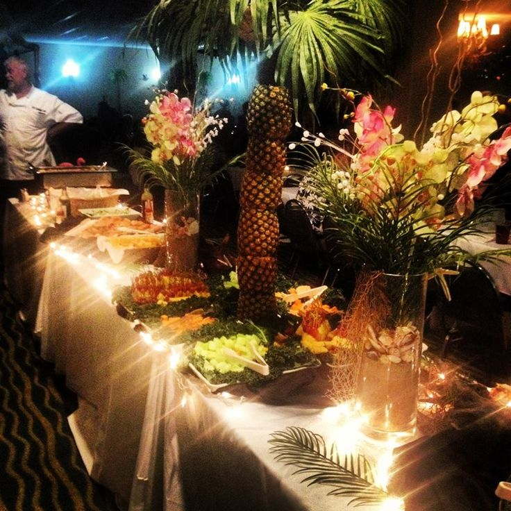 12/30/13 'Paradise Island' theme food presentation~ pineapple tree