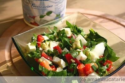 Salata de primavara cu verdeturi si mozzarella ~ Ama in bucatarie