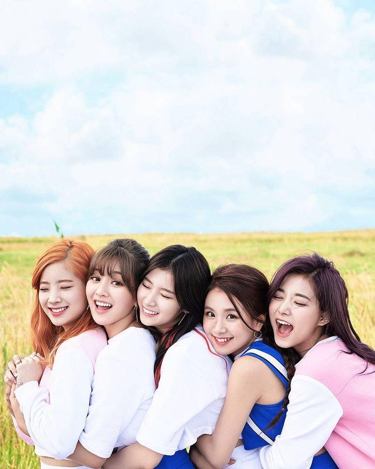 Dahyun, Jihyo, Sana, Chaeyoung, and Tzuyu