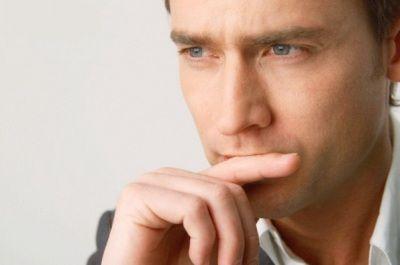 Когда женщина что-то спрашивает – лучше ответить правду, так как очень велика вероятность, что она уже знает ответ.Мужчины и сами понимают, что любознательность женщин чрезмерно велика и если они хотят что-то знать, то обязательно узнают. Они сделают это любым способом и любыми путями. Остановить женщину невозможно, когда ее терпение лопается. И, если мужчина не хочет открыть тайну, то ему точно не повезло. Ведь она непросто сама узнает, а еще и с диким наслаждением поиздевается над вами…