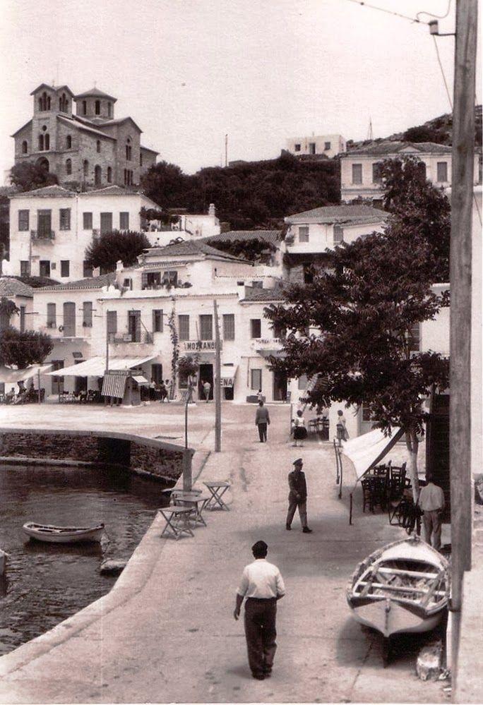 Το Μπατσί της Άνδρου το 1961-perierga.gr - 18 φωτογραφίες ελληνικών νησιών απ' τα παλιά!