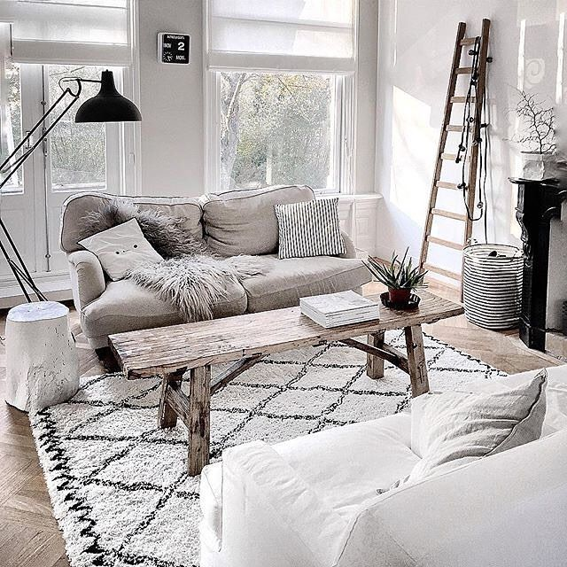The lovely living room of follower @quellejoy