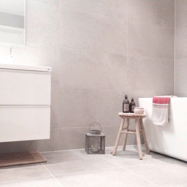 Instagram media by eidehuset - ✧ Baderom ✧ #bathroom #myhome #skandinaviskehjem #homeandcottage #fossbad #vikingbad #spabath #voluspa #modernehjem #baderom #bad #spabad #dagensinterior #interior #inspirasjon #baderomsinspirasjon #rom123 #interior4you #inspirasjontilhjemmet