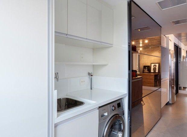 lavanderia-cozinha-espelho-painel (Foto: Julia Ribeiro/Divulgação)