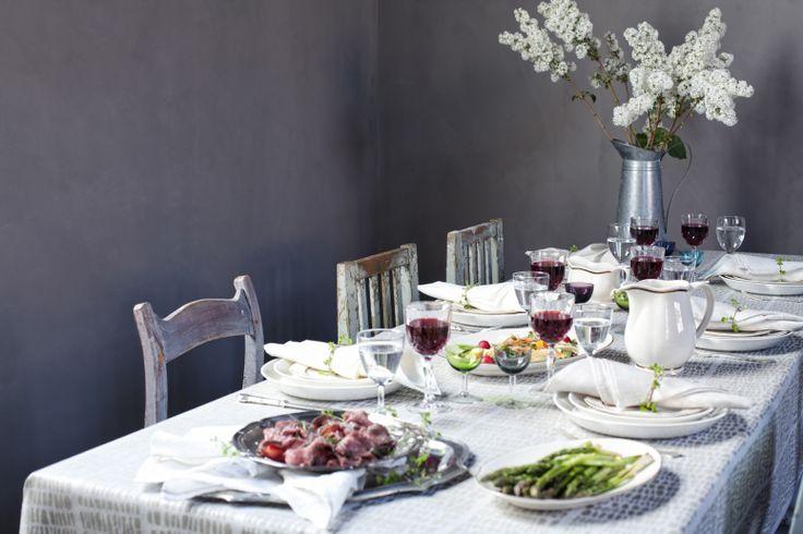 KAARNA tablecloth, 100% linen  Design Dora Jung. Made by Lapuan Kankurit