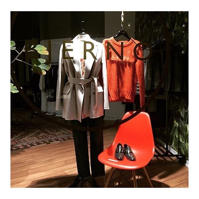Lovely window display and @bjernofashion with ReyRey's The Brogue with golden studs 🙌🏻✔️