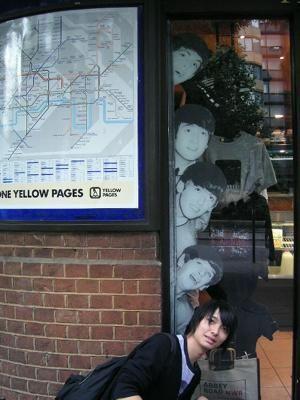 "History ImageさんはTwitterを使っています: ""フジファブリック志村正彦とビートルズ Fujifabric's Masahiko Shimura poses with the Beatles board (via katayoseakito) http://t.co/GthpnYGZqL"""