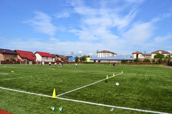 sportcampina: Sâmbătă, ora 12.00, amical de lux la Câmpina