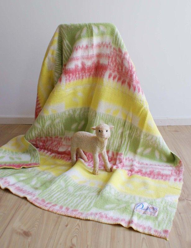Toffe retro deken van wol. Vintage roze/geel/groene sprei/plaid | Kleden en dekens | Flat Sheep
