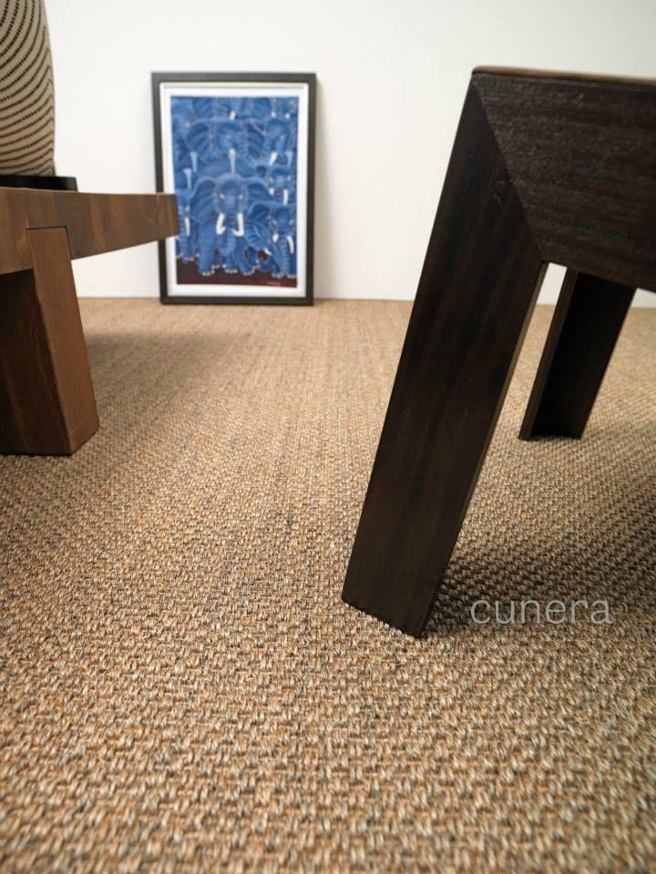 Een sisal vloer die perfect combineert met hout in het interieur cunera fijn sisal tapijt - Tapijt badkamer hout ...