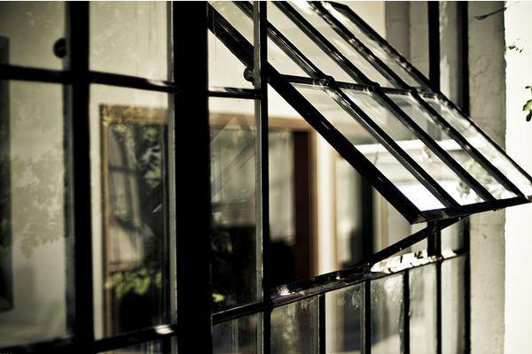 window: Factories Window, Industrial Window, Black Window, Dreams Houses, Black Frames, Window Panes, Old Window, Steel Window, Bays Window