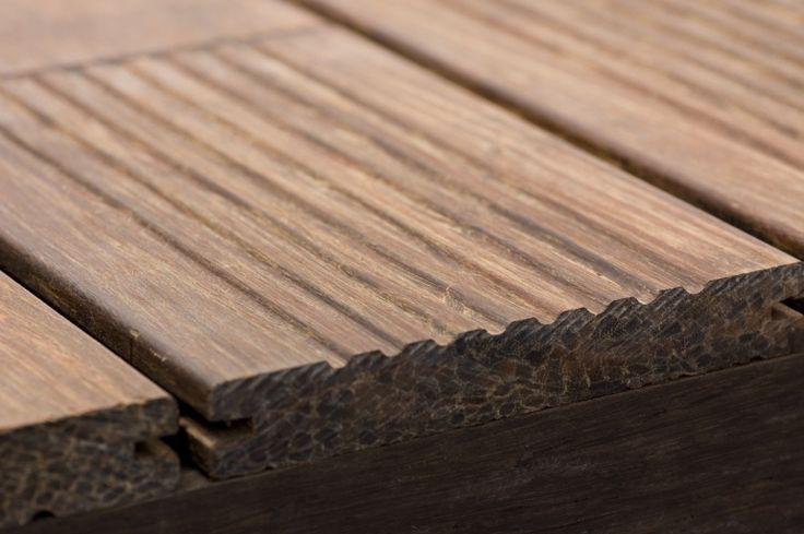 Bamboo X-treme es un producto natural . Está fabricado a partir de tiras de bambú termo-tratadas por calor y prensado a alta densidad. Bamboo X-treme es adecuado para aplicaciones en exterior.