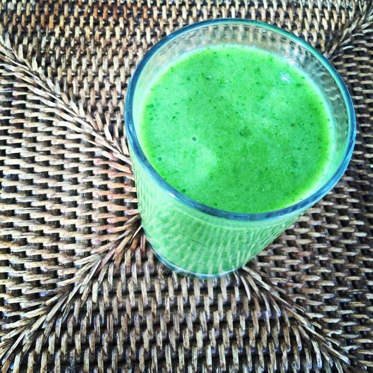 THE GOOD, BAD & UGLY GREEN SMOOTHIE.. BANANAS - Too high in fructose. Not paleo enough and definitely not ketogenic.  BABY SPINACH - Uncooked spinach contains mineral blockers and is anti-thyroid.  AVOCADO - Too high in fiber which ferments in your gut. Too high in unsaturated fats which are susceptible to oxidation —> body inflammation.  GELATIN - Contains animal products. Not pure and inflammatory.  SEA SALT - Salt leads to high blood pressure. . . .  or…. . .  click image for more.