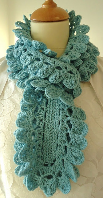crocheted scarf  This scarf is so fast to make, I made 15 for Christmas gifts for 2012