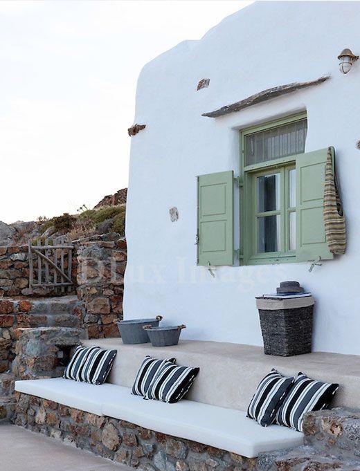 holiday house decor1 Escape to Mykonos