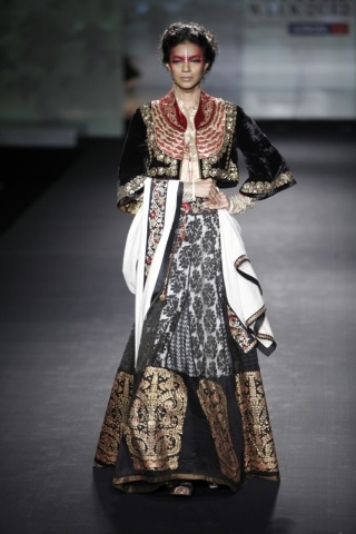 Delhi Couture Week 2012: Anju Modi | Vogue INDIA
