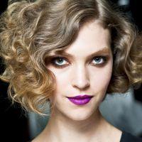 Tendência: cortes curtos para cabelos cacheados