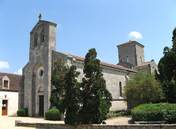Germigny-des-Prés, Centre, Frankrijk 2010 - Kerk van de Heilige Drievuldigheid.jpg