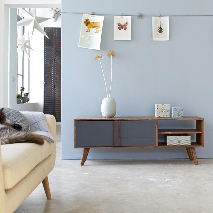 Meuble TV scandinave en bois foncé à retrouve sur tikamoon.com