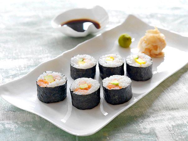 I Norge har vi tilgang til det aller beste av den viktigste råvaren når vi lager sushi: Fersk sjømat. Resten får du på butikken, og her er handlelisten.