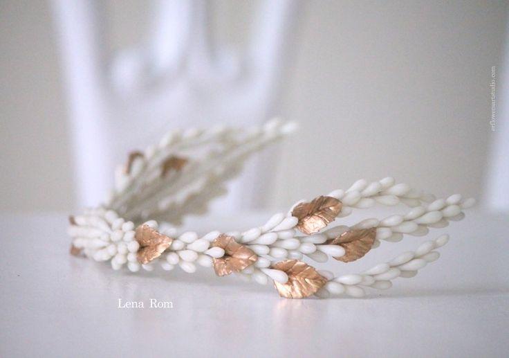Wedding. Bridal headpiece. Tocado de novia.
