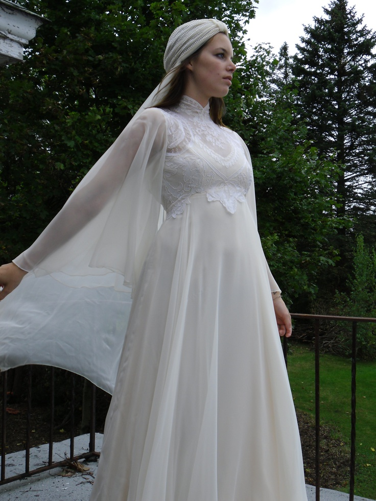 This is a gorgeous 1970s wedding dress with headpiece