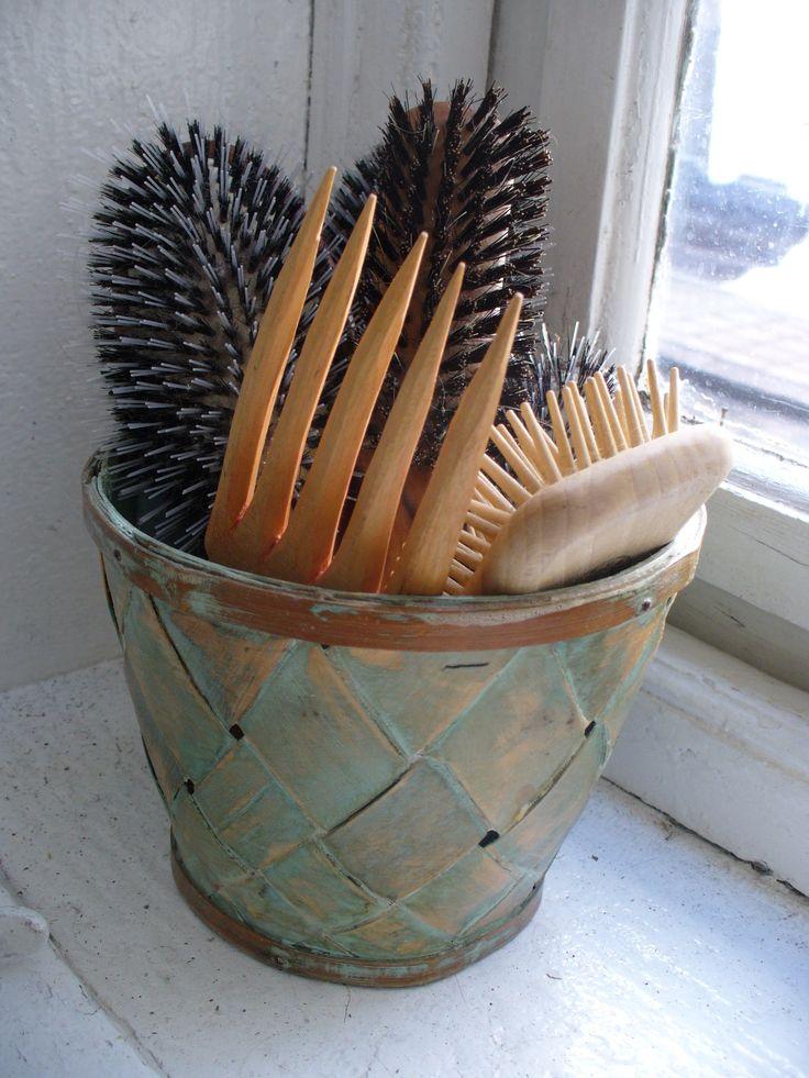 brush bin in coastal shades