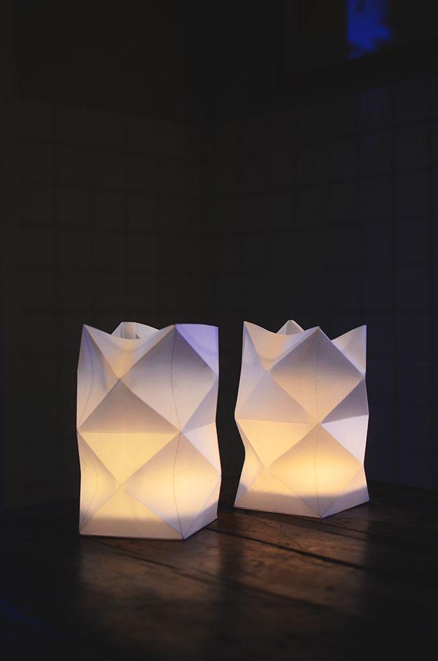 Diy pyssel vik egen papperslykta paper lanterns for Paper lantern tutorial