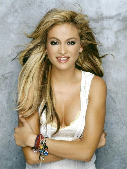 Paulina Rubio - Is a Mexican singer, actress, hostess, model and businesswoman.