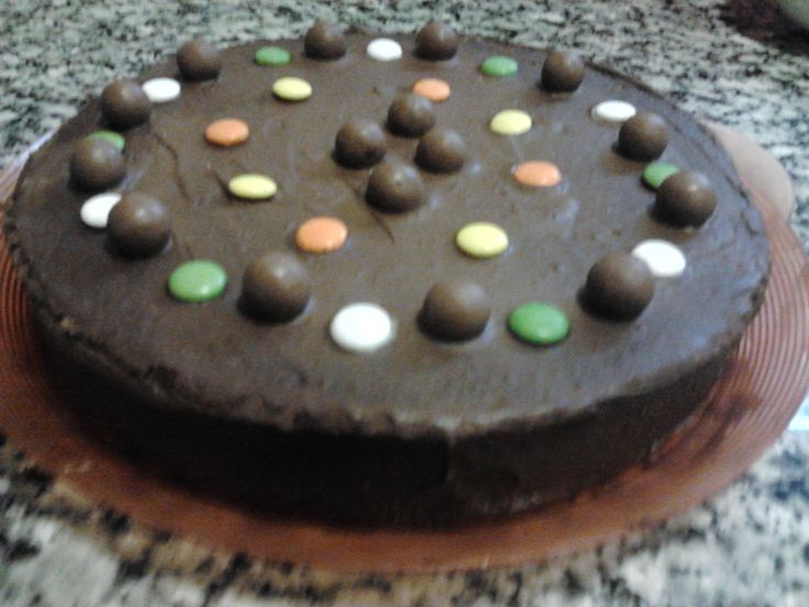 Tarta de chocolate,rellena de mermelada de albaricoque