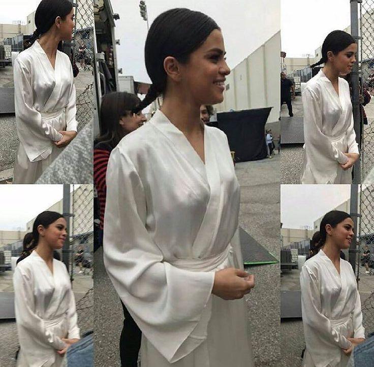 @selenagomez on the set of her new video in Los Angeles [August 25]  #SelenaGomez en el set de su nuevo vídeo en Los Ángeles [Agosto 25]  #Selena #Selenator #Selenators #Fans
