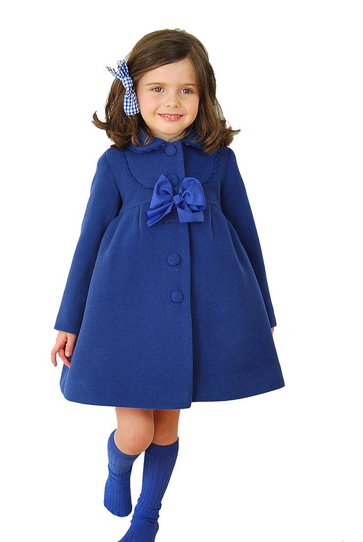 Is this not the cutest outfit? Oh my.....that beautiful royal blue on this adorable little girl! Too cute for words!!! :)