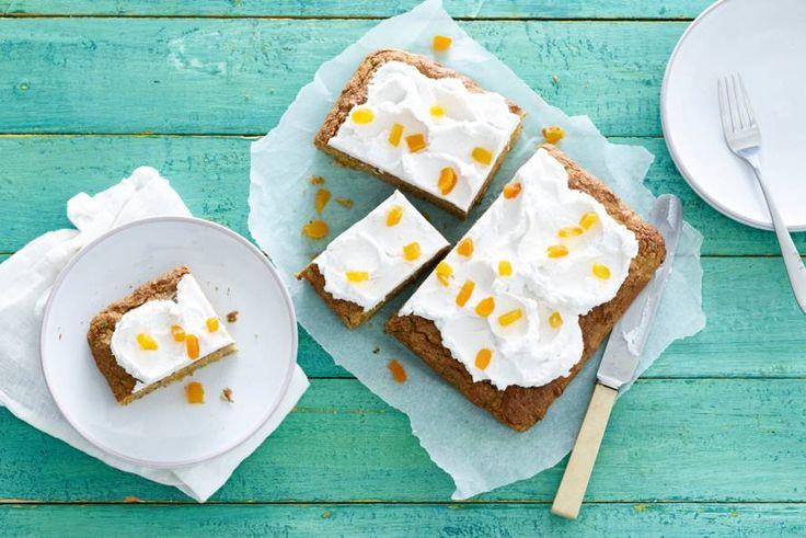 Hoera: cake als ontbijt! Dat mag best, zeker als je 'm maakt van groente en fruit - Recept - Allerhande