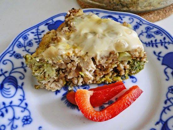 Zapečená pohanka s brokolicí a kuřecím masem