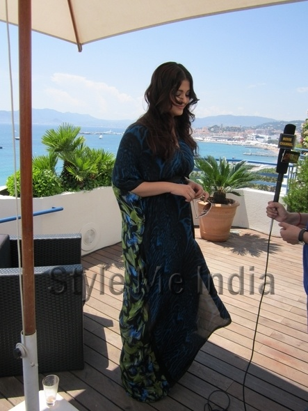 Aishwarya Rai in floral Roberto Cavalli kaftan at Cannes 2012 http://shar.es/quijC