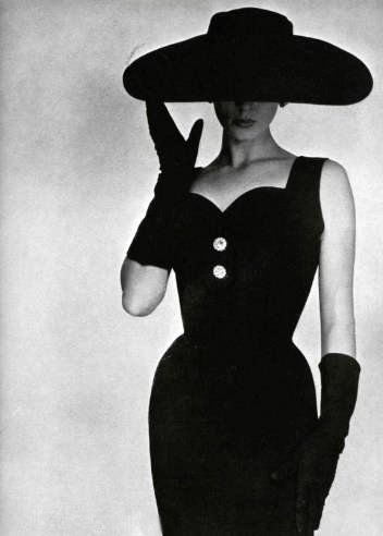 'La petite robe noire' or the little black dress #LBD in true #1950sfashion style.