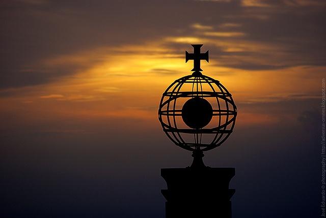 Monumento aos emigrantes Portugueses. Monte de S.Félix, Laundos, Póvoa de Varzim  by José_Eduardo, via Flickr