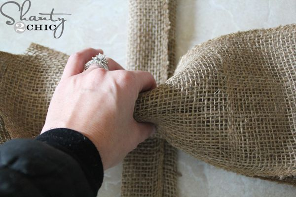 Burlap scrunch-bow DIY