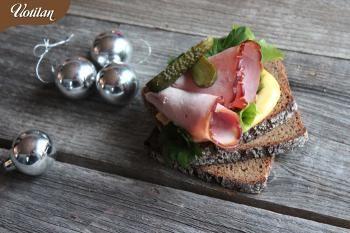 Joulukuussa maistuu limppu kinkun kanssa. Kinkkuvoileipiä varten kannattaakin tehdä sinappilevite, joka maistuu kinkun lisäksi myös graavilohenkin kanssa.