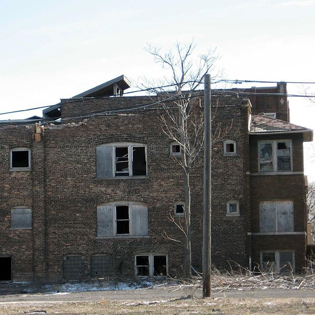 An Abandoned Apartment Building In The American Bridge