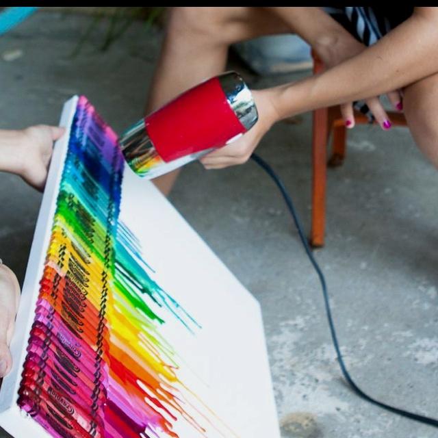 DIY crayon artCrayons Crafts, Crafts Ideas, Melted Crayons Art, Diy Art, Hair Dryer, Cool Ideas, Crayons Projects, Crayons Melted, Art Projects