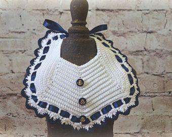 Crochet Baby Bib  'arco'  Design Vintage  di OldVintageBike