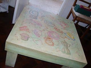 En lo de la Tata: Mesa ratona pintada a mano