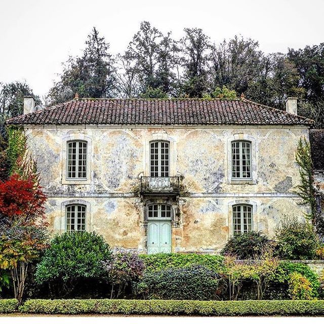 @nicholas.keeble France! #frencharchitecture #france #architecture