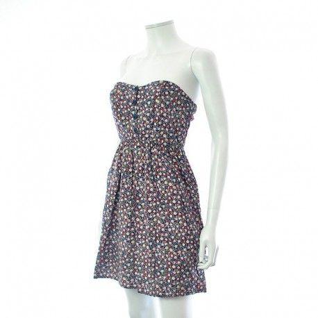 Shopper votre petite : Robe - Naf Naf à 9,99 € : Découvrez notre boutique en ligne : www.entre-copines.be   livraison gratuite dès 45 € d'achats ;)    La mode à petits prix ! N'hésitez pas à nous suivre. #fashion #follow4follow #Robes, Soldes #Naf Naf